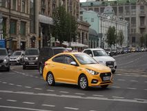 r Движение на улице Tverskaya акции видеоматериалы