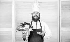 r Органический кулинарный рецепт Шеф-повар использует только продукт eco дружелюбный Eco и органическая концепция Выберите наибол стоковое изображение rf