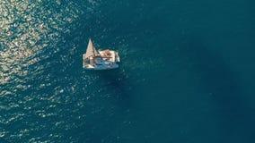 r 大航行的筏在公海 股票录像