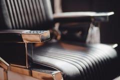 r 椅子背景美发师和美发店,人的理发店 库存照片