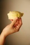 ręce durian gospodarstwa Zdjęcia Royalty Free