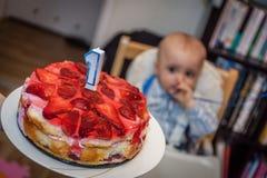 1r cumpleaños del niño pequeño Foto de archivo