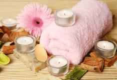 Ręcznik i kwiat Fotografia Stock