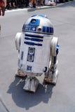 R2D2 aux week-ends de Star Wars au monde de Disney Images libres de droits