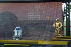 R2D2 C3PO, Disney World, Star Wars, lopp royaltyfri fotografi
