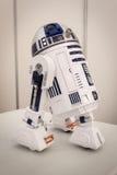 R2-D2 model przy robotem i producenta przedstawieniem Obrazy Stock