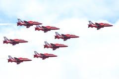 R.A.F.-Zeigung in Tallinn, Estland - 23. Juli Pfeil-RAF Air-Show TALLIN Royal Air Forces rotes Ereignis, am 23. Juli 2013 Lizenzfreies Stockbild