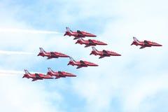 R.A.F.-Zeigung in Tallinn, Estland - 23. Juli Pfeil-RAF Air-Show TALLIN Royal Air Forces rotes Ereignis, am 23. Juli 2013 Stockfoto