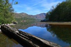 R?flexion de lac mountain photo stock