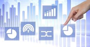Ręka dotyka biznesowej mapy statystyki ikony Obraz Stock