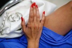 Ręka podczas manicure'u Obraz Royalty Free