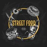 Ręka rysujący fasta food sztandar Uliczna karmowa kreatywnie ulotka Hamburger, soda, pomidor, bagel, banatek baryłki i oliwki, ilustracji