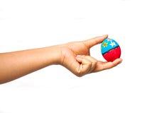 Ręka trzyma Easter jajko Zdjęcie Royalty Free