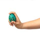 Ręka trzyma Easter jajko Obraz Royalty Free