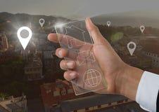 Ręka trzyma szklanego interfejs, lokaci ikona Obrazy Stock