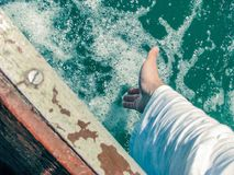 Ręka w morzu Obrazy Royalty Free