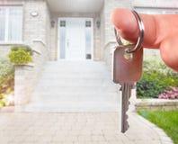 Ręka z domu kluczem Zdjęcie Stock
