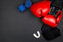 rękawice bokserskie czerwone zdjęcia stock