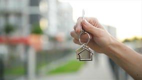 R?ki mienia klucz Od nowego domu zdjęcie wideo
