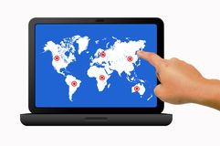 ręki mienia laptop Fotografia Royalty Free