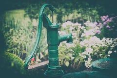 Ręki pompa wodna Zdjęcia Stock