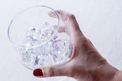 ręki szklany mienie Obrazy Stock