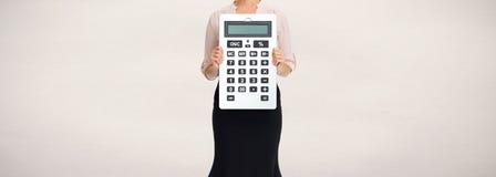 Ręki z kalkulatorem Zdjęcia Royalty Free