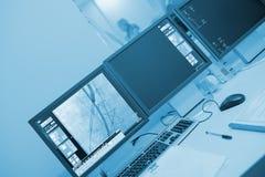 R-kontroll av kärl- kirurgi i cathlaben arkivfoton