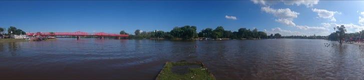 Río en panorama Stock Photography