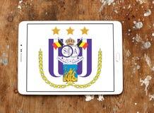 r S C Logotipo do clube do futebol de Anderlecht Fotos de Stock