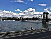 r?seau de Budapest de passerelle images stock