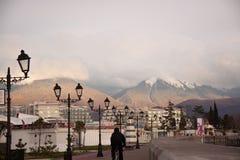 R?ssia Terraplenagem de Sochi Adler Mzymta imagens de stock royalty free