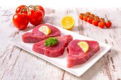 rå steaktonfisk Fotografering för Bildbyråer