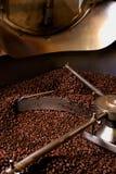 Rôtissage de café, production Image stock
