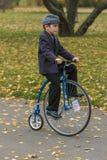 Raça alta do veículo com rodas Imagem de Stock Royalty Free