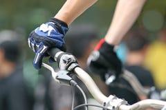 Raça da bicicleta de montanha Fotos de Stock