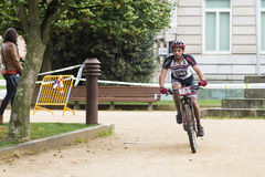 Raça da bicicleta de Moutain Fotografia de Stock