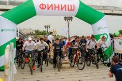 Raça dos desportistas em bicicletas Tyumen Rússia Imagem de Stock