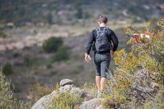 Raça dura da montanha da maratona, descida Fotografia de Stock Royalty Free