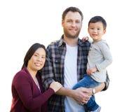 Raça misturada chinesa e pais caucasianos e criança isolados na Fotos de Stock