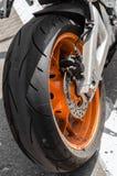 raças da motocicleta do Estrada-anel Imagem de Stock Royalty Free