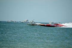 Raças de barco super (Hooters contra Lucas Oil) Imagens de Stock Royalty Free