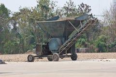 Raíz y mercancía de la mandioca Fotos de archivo