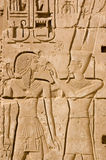 Ra de Amun y talla antigua de Ramses II Fotografía de archivo libre de regalías