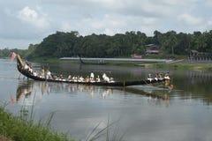 Ra?a de barco em Kerala, ?ndia fotografia de stock