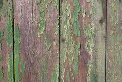 Raad met sjofele oude groene verf Stock Afbeelding