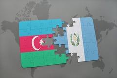 raadsel met de nationale vlag van azerbaijan en Guatemala op een wereldkaart Stock Illustratie