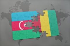 raadsel met de nationale vlag van azerbaijan en Guinea op een wereldkaart Stock Afbeelding