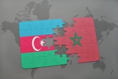 raadsel met de nationale vlag van azerbaijan en Marokko op een wereldkaart Stock Illustratie