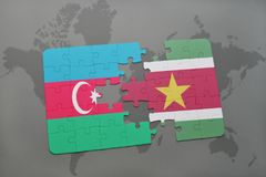 raadsel met de nationale vlag van azerbaijan en suriname op een wereldkaart Vector Illustratie